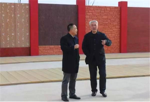 仿木材和各类铺装,内外墙体类产品,与刘海龙进行深入交流图片