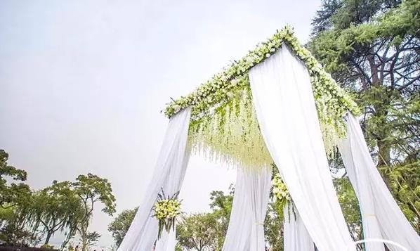 欧式草坪婚礼都需要布置什么